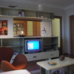 Byt v komplexu Zvonařka, průhled mezi obývacím pokojem a ložnicí
