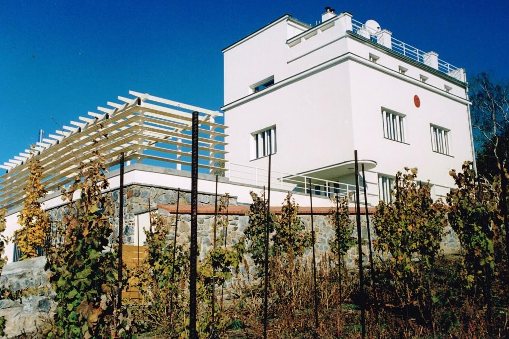 Stavební úpravy a přístavba k funkcionalistické vile od arch. F.Kavalíra